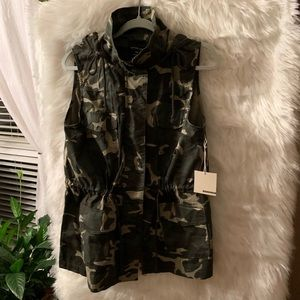 Brand New camo vest
